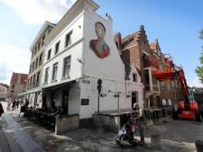 Vechtersbaas haalt met mes uit naar zaakvoerder van café 't Santpoortje