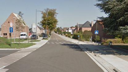 Twee doden bij zware botsing tussen motorfiets en auto in Bree