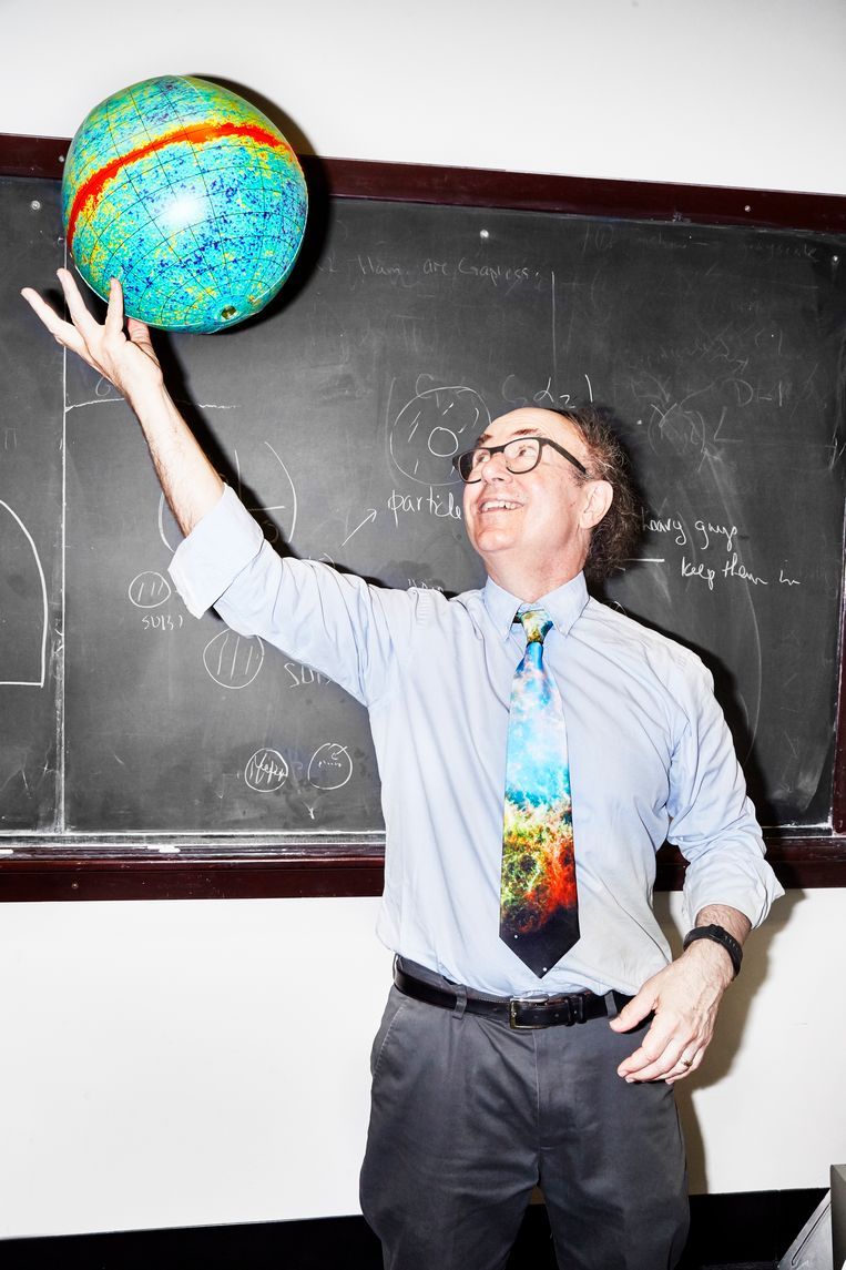 Frank Wilczek, won in 2004 de nobelprijs voor de Natuurkunde. Gefotografeerd op de universiteit van Boston. Beeld Amy Lombard.