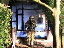 Stacaravan brandt tot de grond toe af