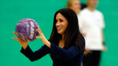 IN BEELD. Prins Harry en Meghan spelen potje basketbal