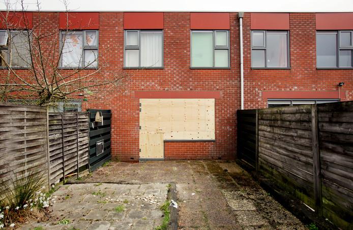 Door het sluitingsbesluit kunnen bewoners hun woning definitief kwijtraken.