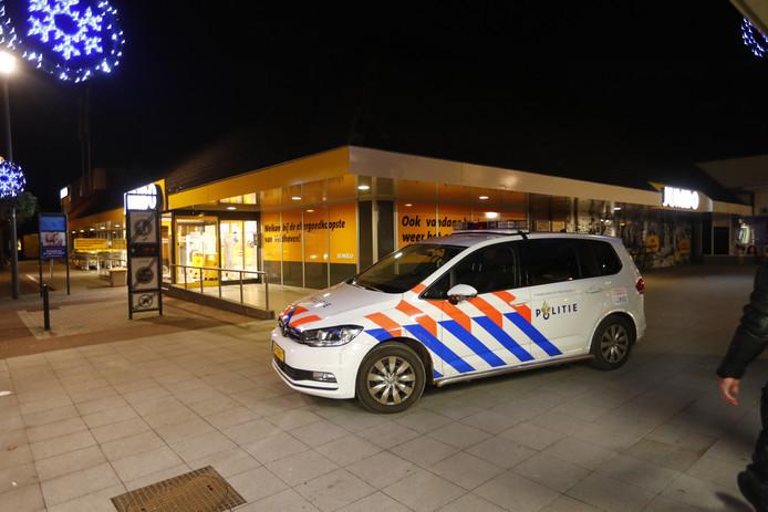December vorig jaar werden nogal wat supermarkten in de regio overvallen. In Veldhoven was de Jumbo doelwit. De politie herkende de dader de volgende dag toen hij bij de AH naar binnen wilde gaan.