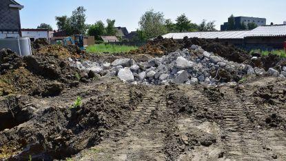 Bouwwerf even stilgelegd na ontdekking van vloerplaat stokoude bunker