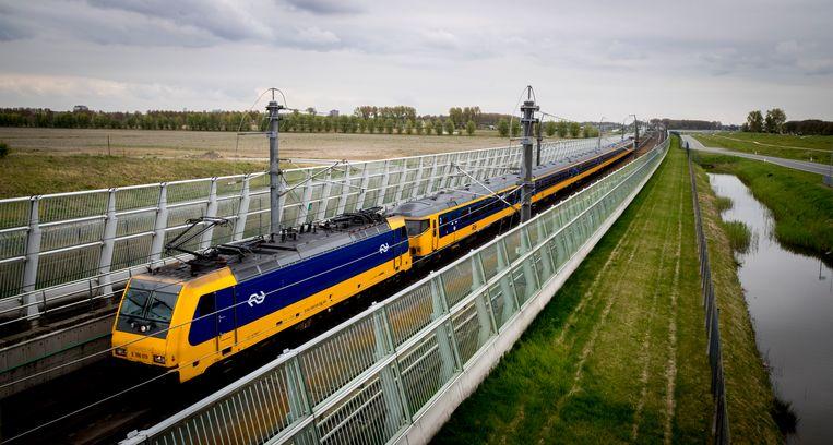NS trein bij Berkel en Rodenrijs. Beeld ANP