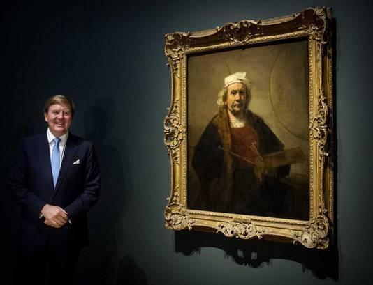 Koning Willem-Alexander met het Zelfportret met twee cirkels.