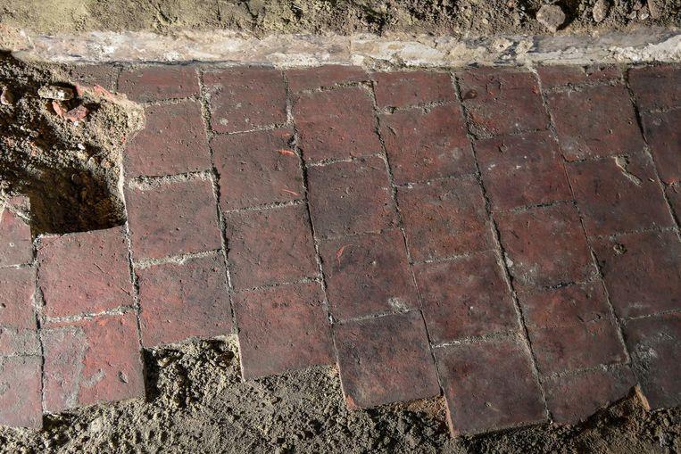 Bij de restauratie van het pand werd deze vloer blootgelegd.