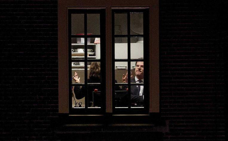18 december, crisis in de coalitie: minister Schippers overlegt met premier Rutte in het Torentje over de zorgcrisis in de Senaat. Beeld anp