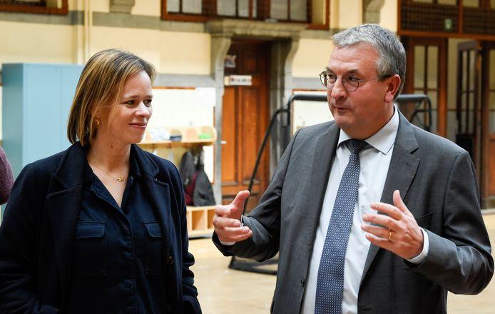 Caroline Désir, ministre de l'Enseignemen (FWB), et Pierre-Yves Jeholet, ministre-président de la Fédération Wallonie-Bruxelles