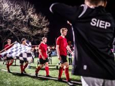 """Trainers SML en VDZ tevreden na gelijkspel in zaterdagavondderby van Arnhem  maar ,,voetbal is hypocriete sport qua rechtvaardigheid"""""""