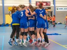 Huissense handbalsters vieren alvast kampioenschap