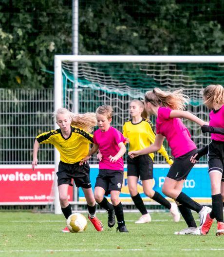 De volgende Lieke Martens komt uit de polder of uit Urk, dankzij deze bijzondere voetbalploeg