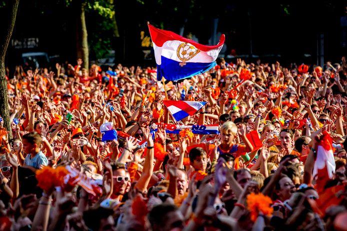 In 2017 trokken mensen massaal naar Utrecht voor de huldiging van de Oranjevrouwen.
