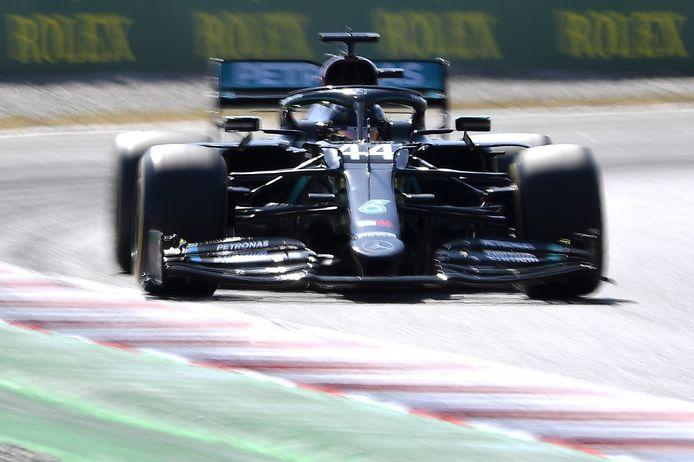 Lewis Hamilton et Valtteri Bottas ont dominé les premières séances en Catalogne.