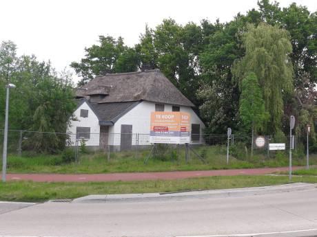 Dierenarts Dekker koopt omstreden 'witte boerderij' in Wijchen