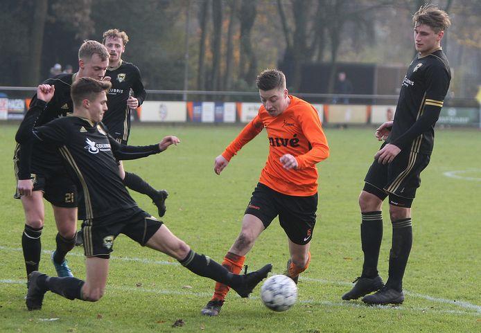 FC Winterswijk pakte een punt tegen titelkandidaat Rohda Raalte.