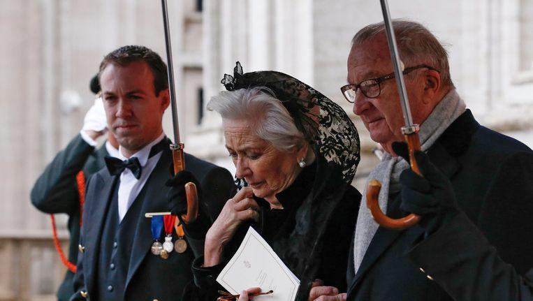 De voormalige Belgische koning Albert II (rechts) en koningin Paola bij de begrafenis van koningin Fabiola. Beeld epa