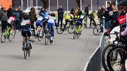 Jongeren organiseren eigen wielerwedstrijd als eindwerk