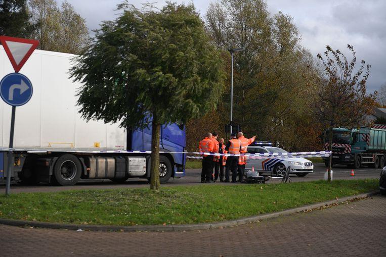 De politie sloot de Steenweg op Holsbeek af.