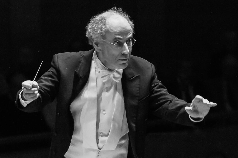 Dirigent Ed Spanjaard.