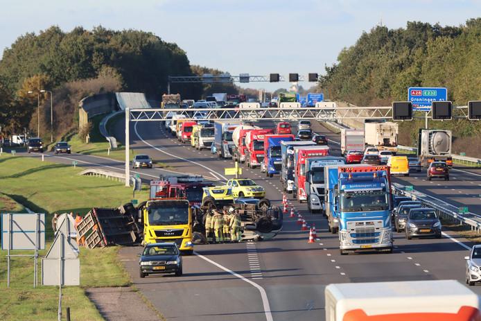 Bij een ongeval op de A28 ter hoogte van Staphorst is een persoon gewond geraakt