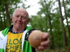Teleurstelling voor Gerrit (80) tijdens NK klootschieten in Oud Ootmarsum
