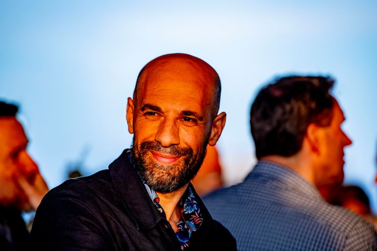 De Gouden Ganzenveer is dit jaar voor schrijver en programmamaker Abdelkader Benali.  Beeld ANP