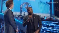 """Kanye West noemt zichzelf """"beste artiest die God ooit heeft geschapen"""""""