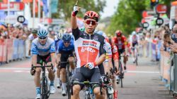 """Weer prijs voor Ewan in Tour Down Under, Philipsen pakt puntentrui: """"Bennett liet me perfect begaan"""""""