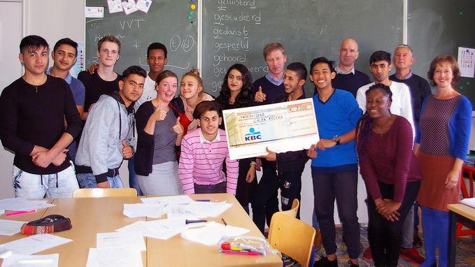 51 Club schenkt 2.000 euro aan onthaalklas voor anderstalige leerlingen
