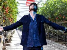 Westland laat van zich horen in Songfestivalhype: 'Laat introductiefilmpje opnemen in kas'