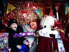 Deze mobiele Sint in een busje maakt vandaag overuren: 'Zo hebben kinderen toch nog iets leuks'