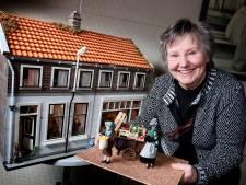 Annie maakte een replica van het huis en de groentewinkel van haar 'opa Stekkie'