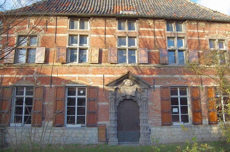 Het Hooghuis is het eerste monument dat in augustus afgebroken wordt in Doel en heropgebouwd in Prosperpolder.