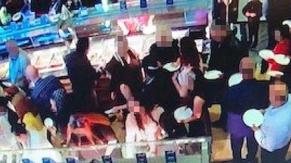 Noodtoestand in restaurant: 160 gasten roven met blote handen buffet leeg