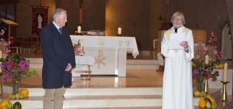 St. Jozefkoor Noord Deurningen zet zestigjarig lid Frans Veldscholten in het zonnetje