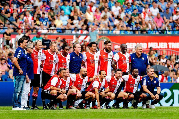 Oud-Feyenoorders tijdens de open dag van Feyenoord in De Kuip.