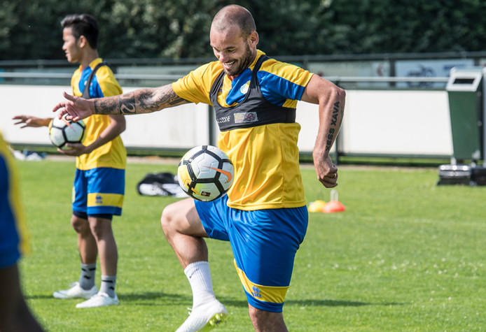 Wesley Sneijder op trainingskamp in Mill