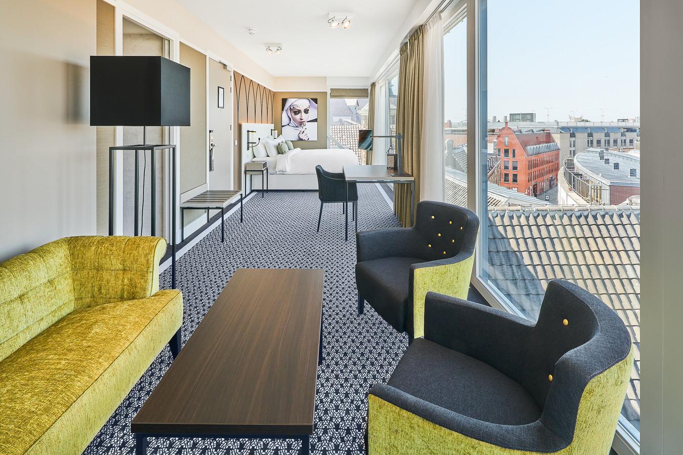 hotel nassau breda gaat voor goud bij offici le opening foto. Black Bedroom Furniture Sets. Home Design Ideas