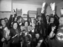 Spakenburg viert feest na de winst van IJsselmeervogels op AZ in de kwartfinale van de KNVB-beker.