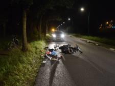 Scooterrijder botst tegen boom en raakt gewond in Veenendaal