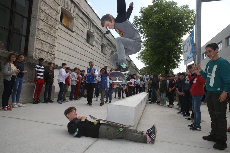 Straffe acties met het skateboard...
