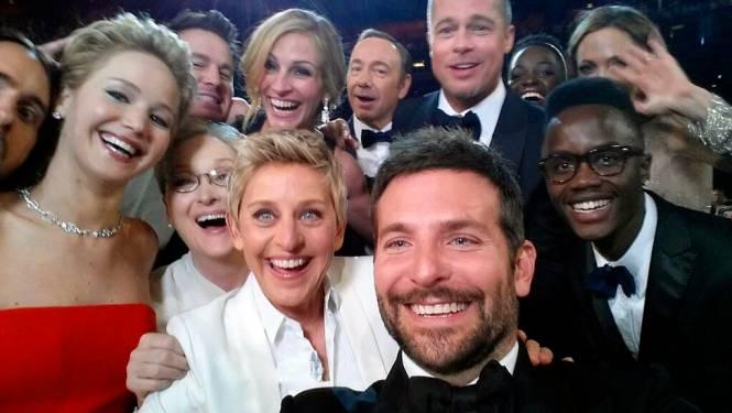 Paris Hilton beweert dat ze de selfie heeft uitgevonden, maar klopt dat ook?