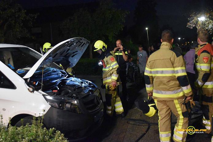 Mogelijk opnieuw brandstichting in Zuilichem bij brandend taxibusje