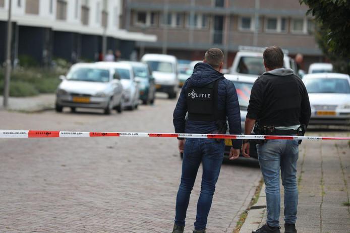 De politie is maandagmiddag uitgerukt voor een verdachte situatie in een woning aan de Karel Doormanstraat in de Arnhemse wijk Presikhaaf.