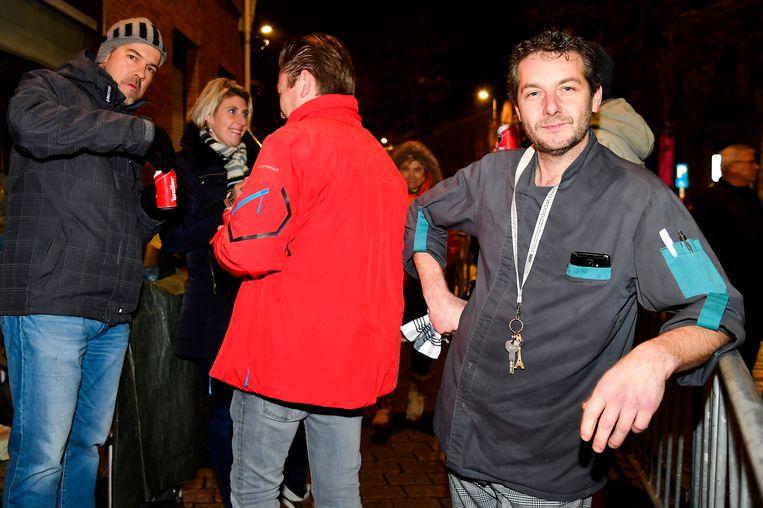 Uitbater van restaurant Litus Danny Van Hemelrijck belooft alvast warme soep voor de wachtenden deze nacht.