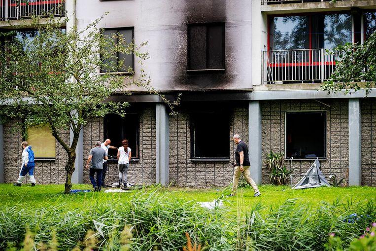 De flat aan de Rode Kruislaan in Diemen, daags na de brand Beeld Robin van Lonkhuijsen/ANP