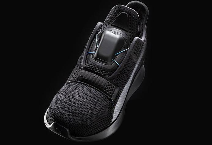 Ook Puma brengt zelfstrikkende smartschoen op de markt