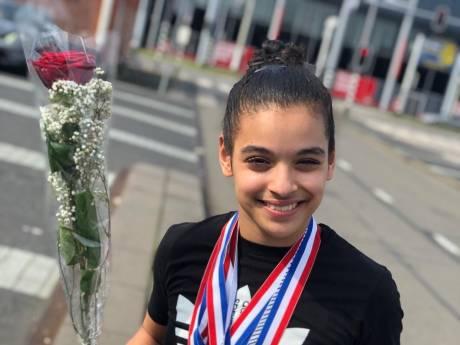 Turntalent Ghizlane Barraki (13) uit Alphen wint vijf medailles op NK Jeugd