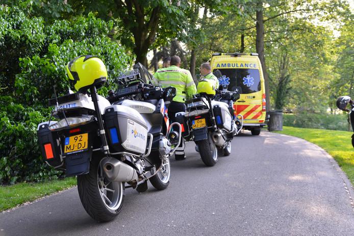 Een meisje is aangereden door een scooterrijder in het Park Valkenberg, hij is weggereden en later teruggekomen toen hij werd opgebeld door zijn broer.